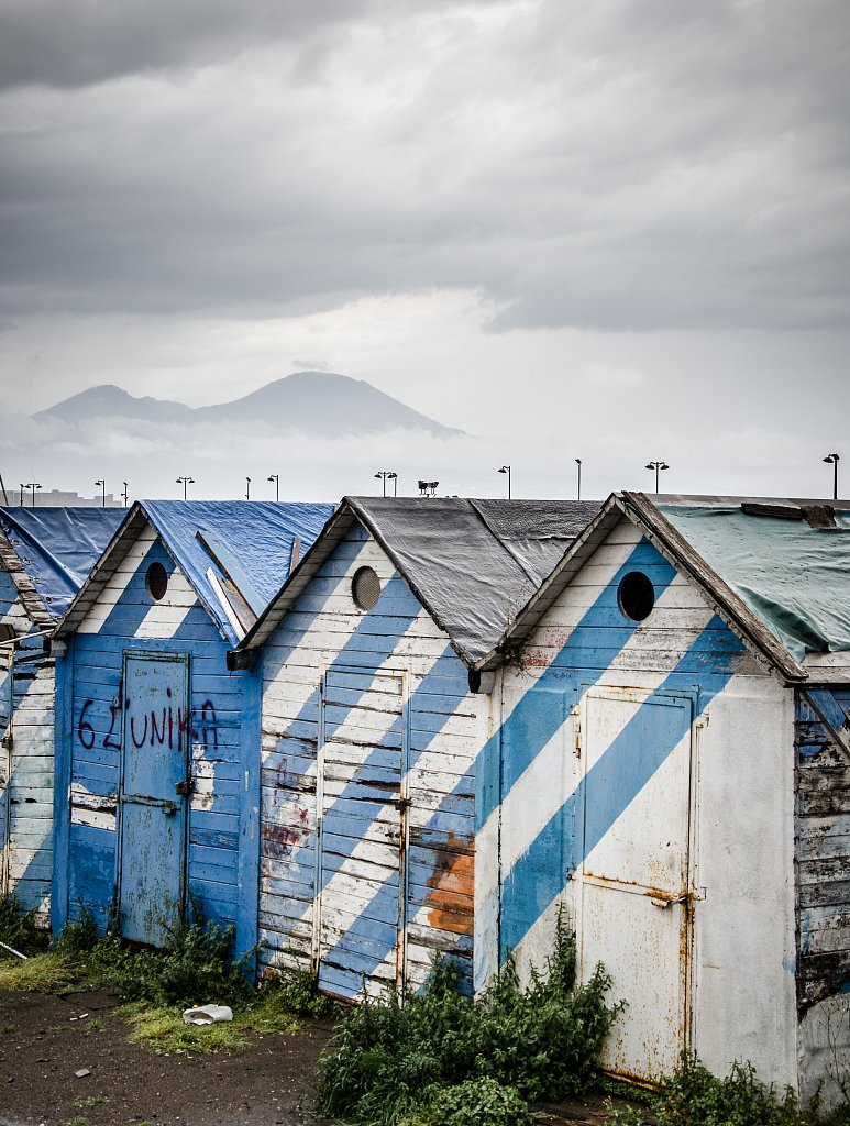 Colored houses and the Vesuvius